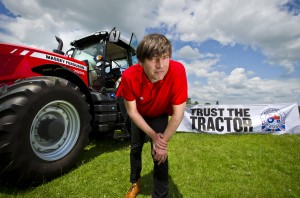 JNV_ALEX_JAMES_RED_TRACTOR_15