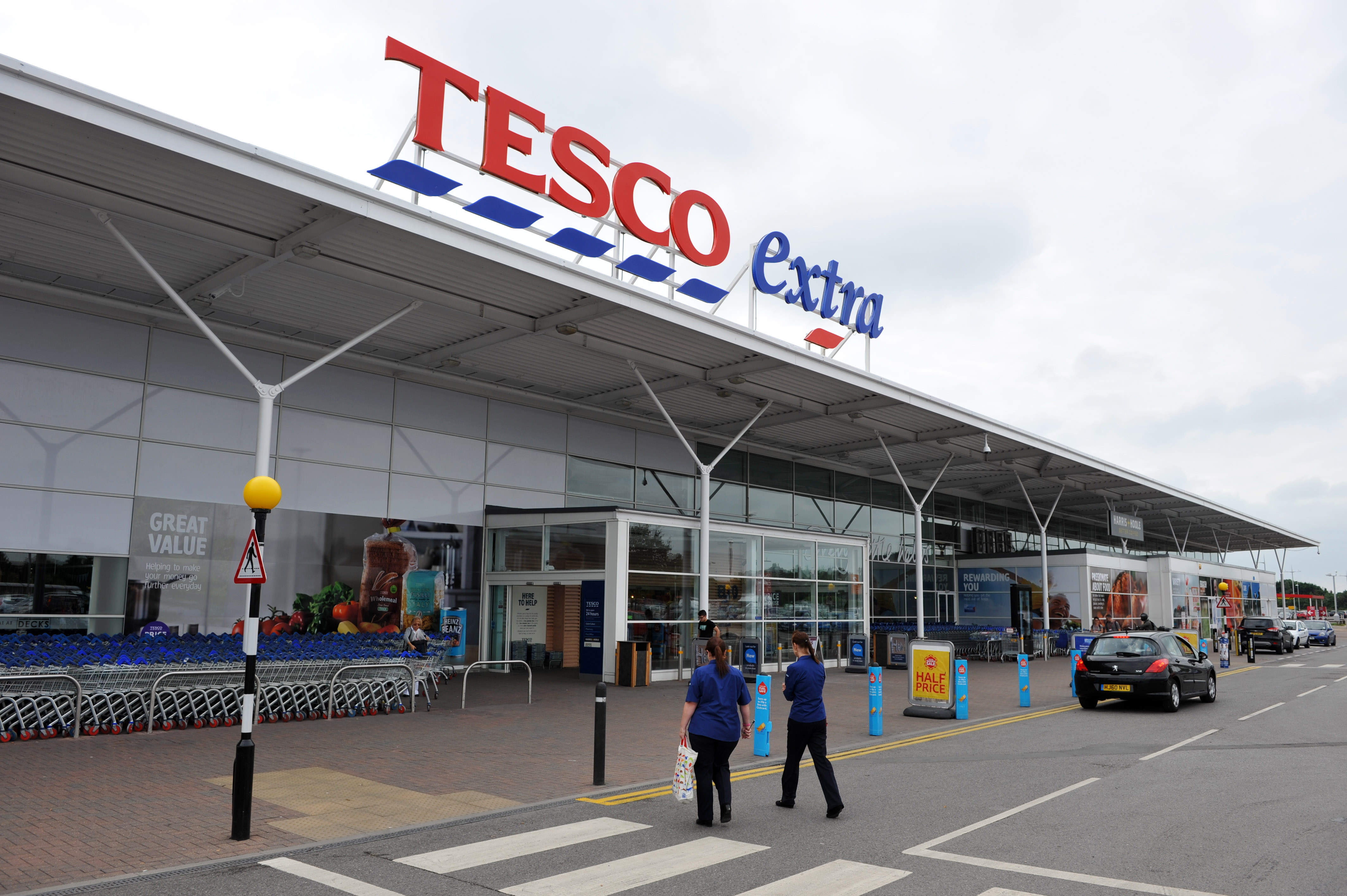 Tesco reports first quarter sales growth