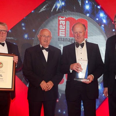 BEST TRADE ORGANISATION – The Association of Independent Meat Suppliers (AIMS). L-R: Category partner Arthur Pynenburg of Treif, John Thorley OBE of AIMS, Norman Bagley of AIMS and Miles Jupp.