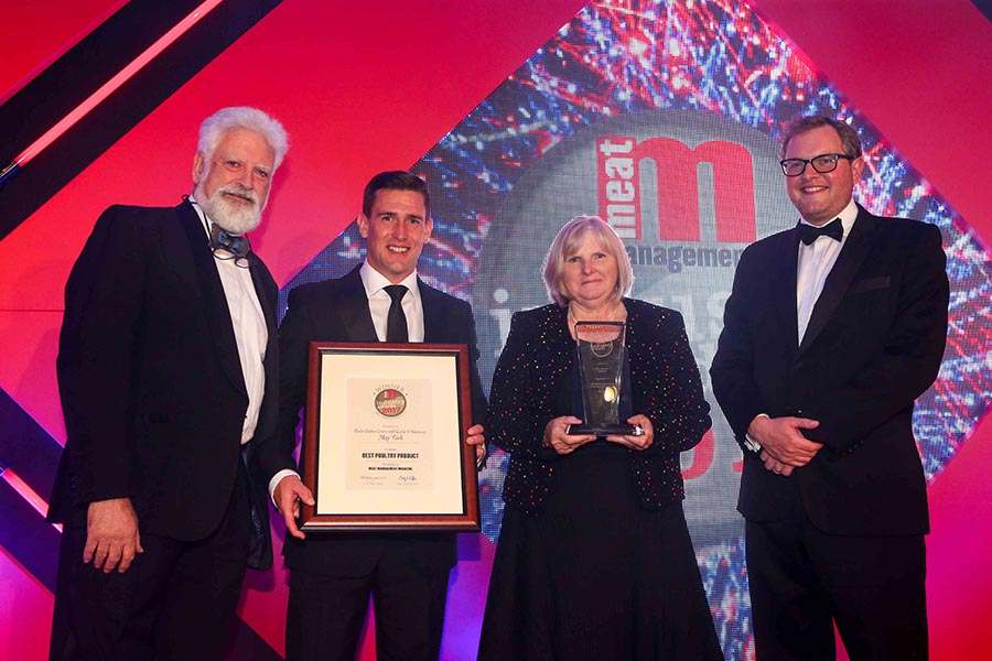 BRITAIN'S BEST POULTRY PRODUCT – Ocado / Moy Park. L-R: Category partner, Bill Jermey of The Institute of Meat, Clive Taylor of Moy Park, Rose Price of Ocado and Miles Jupp.