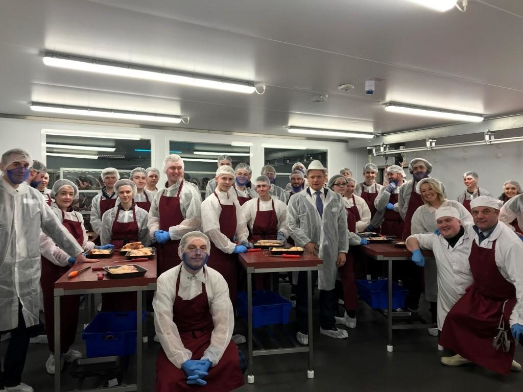 A group photo from last year's after the 'hands on butchery session'.